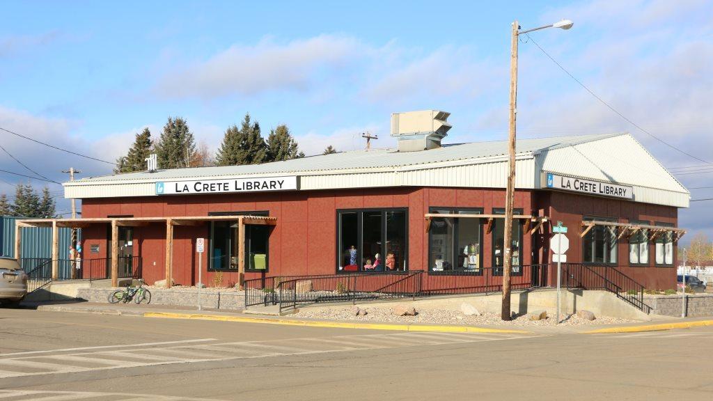 la-crete-library-building.jpg