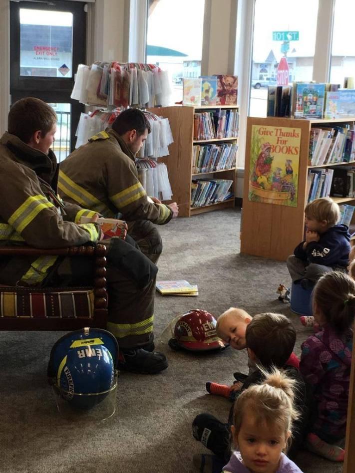 firefighterreading_lc