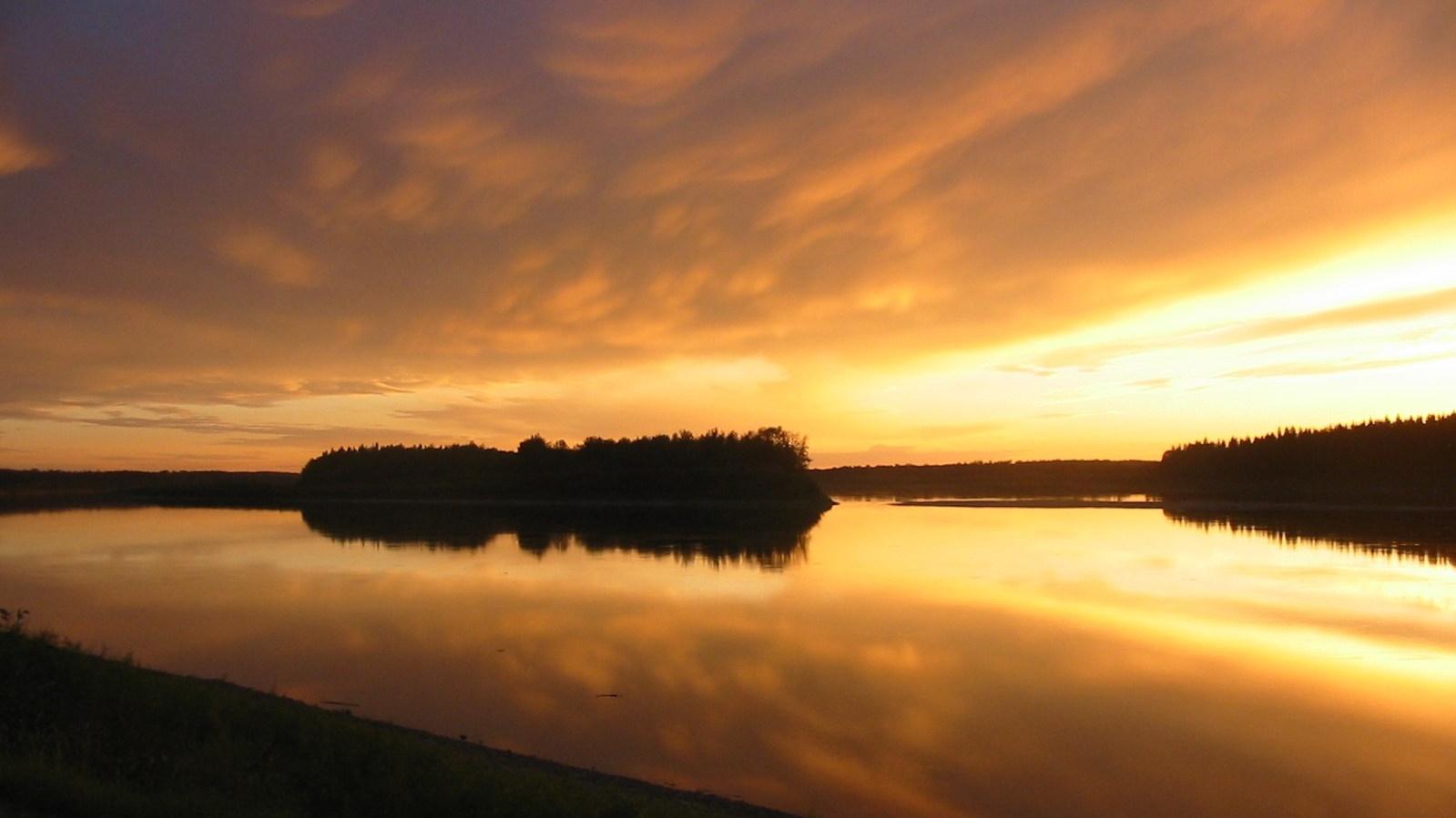 fortvermilion-sunset-e1577939642336.jpg